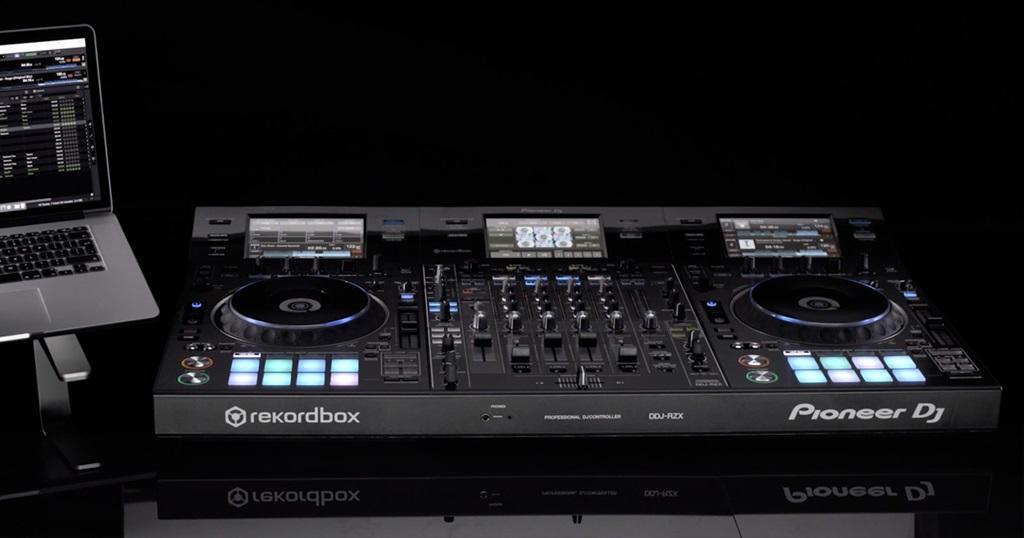 Pioneer DDJ-RZS el nuevo controlador estrella para audio y vídeo - Blog de Microfusa