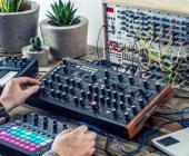 Novation Circuit Mono Station y Novation Peak: la innovación y el desarrollo más valorado de la marca en dos nuevos sintetizadores