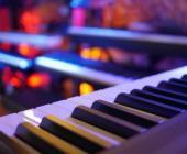 Conoce nuestra selección de pianos y teclados digitales y elige el tuyo